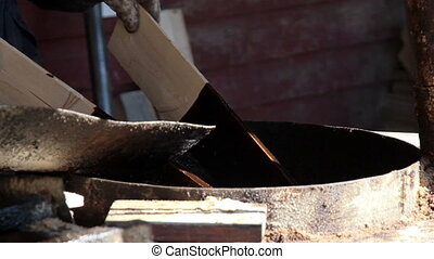 Cedar wooden shingle plywoods used to mix brown pine tar...