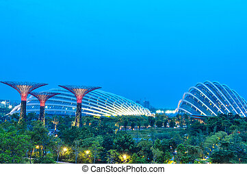 SINGAPORE - AUGUST 21: Gardens bay at Marina bay AUGUST 21, 2013 in Singapore.  Gardens By The Bay is a park spanning 101 hectares of reclaimed land in central Singapore.