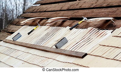 Unfinished cedar wooden shingle shake roofing repair -...