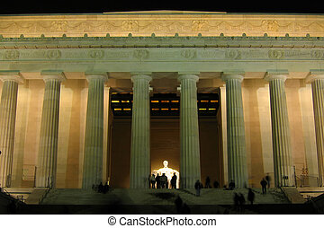 Lincoln Memorial - Night shot of the Lincoln Memorial