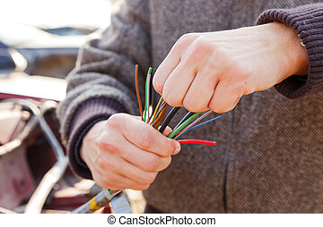 Fix the problem - The car mechanic solve the circuit problem