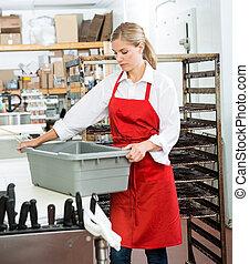Tienda, cesta, proceso de llevar, trabajador, carnicero