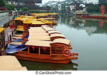 Line of boats at Qinhuai river - Line of boats anchored at...