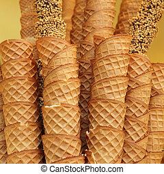 closeup, Pilha, vazio, waffle, gelo, creme, cones