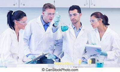 laboratório, Experiência, trabalhando, cientistas