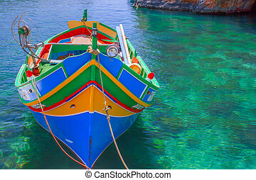 Fischerboot Malta   - Fischerboot in einer Lagune Malta