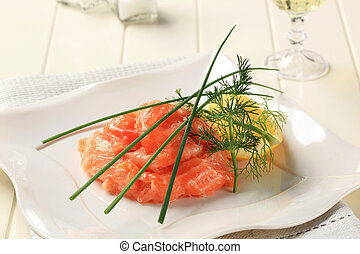 Salmon starter - Gravlax cured salmon with lemon and dill