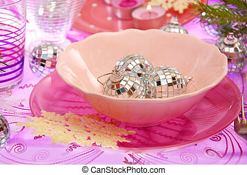 christmas table setting in pink
