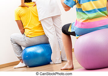 Pilates in physiotherapy - Exercises supervising by...