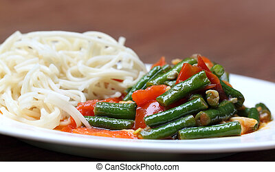Noodles with curry of yard long bean