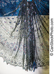 Openwork of Orenburg downy shawl - Openwork of Orenburg...