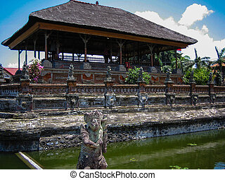 Klungkung - Bali, Temple in Klungkung and historic Court