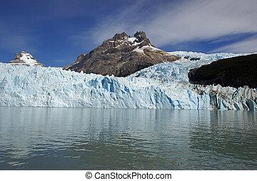 NP Los Glaciares, Argentina - Glacier Spegazzini, National...