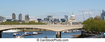 River Thames in London - Panoramic view of River Thames,...