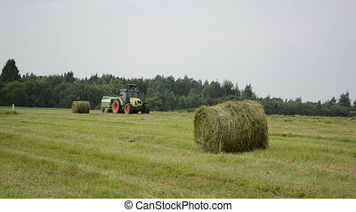 tractor make straw bale