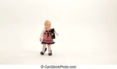 Little mod - Little girl with a purse wearing high heels