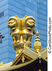 Jing An Temple Golden Lions - Golden lions statues in Jing...