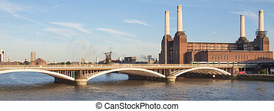 Battersea Powerstation London - Battersea Power Station in...