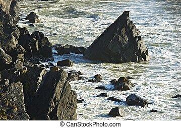 Rocky Shore Line of California. North California - Crescent...