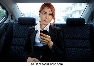 usando, mulher, esperto, telefone