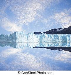 Perito Moreno glacier. - Los Glaciares National park....