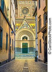 Orvieto medieval Duomo cathedral church facade. Italy -...