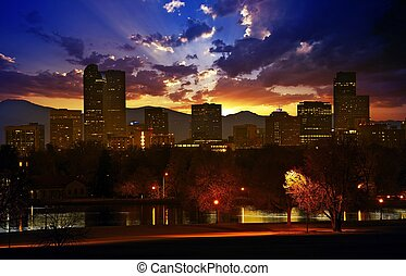 Denver Skyline at Sunset. Colorful Beautiful Sunset in...