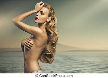 Great shot of sensual blonde lady - Great shot of sensual...