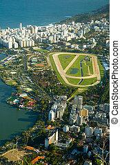 J�quei Clube - Hip�dromo da G�vea - Located close to...
