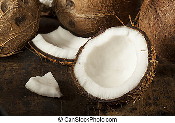 Fresh Organic Brown Coconut with White Flesh