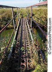 Bridge 006 - A brdge over a small creek.