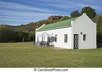 Farm Cottage - Farm cottage built in traditional Cape...