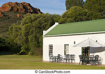 Rural Cottage - Farm cottage built in traditional Cape...