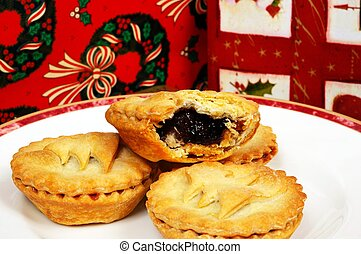 Homemade mince pies. - Homemade mince pies and wrapped...