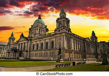 Sunset Image of City Hall, Belfast Northern Ireland -...