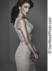 Fantastic portrait of young atractive brunette woman -...