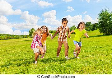 bambini, vecchio, insieme, anni,  7, correndo,  6