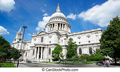 St. Paul's Cathedral Timelapse - Long exposure time lapse...