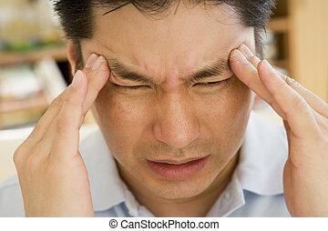 hombre, con, Un, dolor de cabeza
