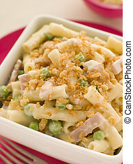 Macaroni Cheese with Peas Ham and a Toasted Crumb