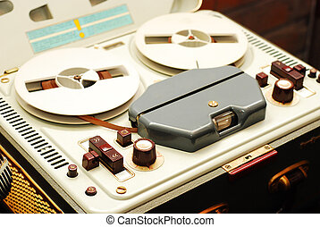 reel to reel recorder - vintage reel to reel tape recorder