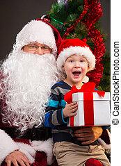 poco, niño, obteniendo, presente, santa, Claus,...