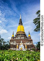 Wat Yai Chai Mongkhon, old buddhist temple of Ayuthaya...