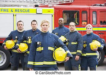 Seis, bomberos, posición, fuego, motor