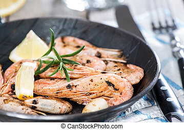 Portion of Shrimps in a pan - Portion of fresh fried Shrimps...