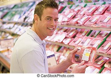 hombre, compras, carne, tienda de comestibles, Tienda