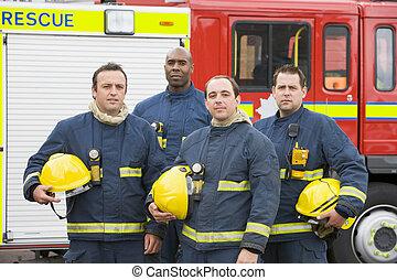 cuatro, bomberos, posición, fuego, motor