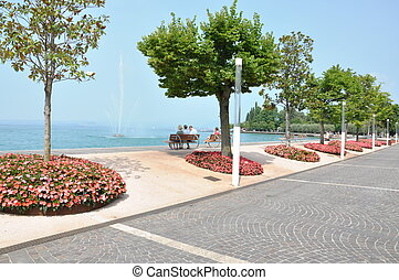 Bardolino, town on lake Garda - Bardolino, town on lake Lago...