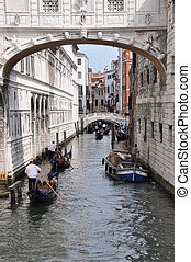 Bridge of Sighs Venice - Tourists on gondolas under the...