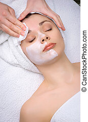 beauty salon series facial mask removing